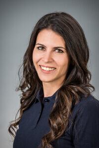 Dr. Csáthy Csilla - Fachärztin für Zahn-, Mund- und Kieferheilkunde