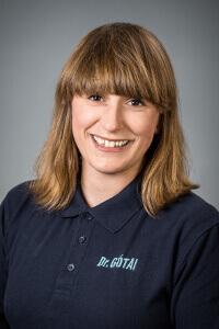 Dr. Laura Gótai - Fachärztin für Zahn-, Mund- und Kieferheilkunde
