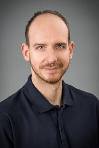 Dr. Bence Molnár - Facharzt für konservierende Zahnmedizin und Prothetik