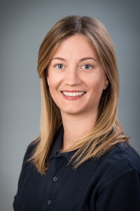 Dr. Alexandra Hernádi - Fachärztin für Zahn-, Mund- und Kieferheilkunde