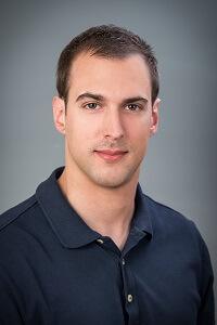Dr. Dániel Kresz - Facharzt für Zahn- und Mundheilkunde