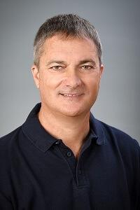 Dr. József Tóka - Zahnarzt, Implantologe